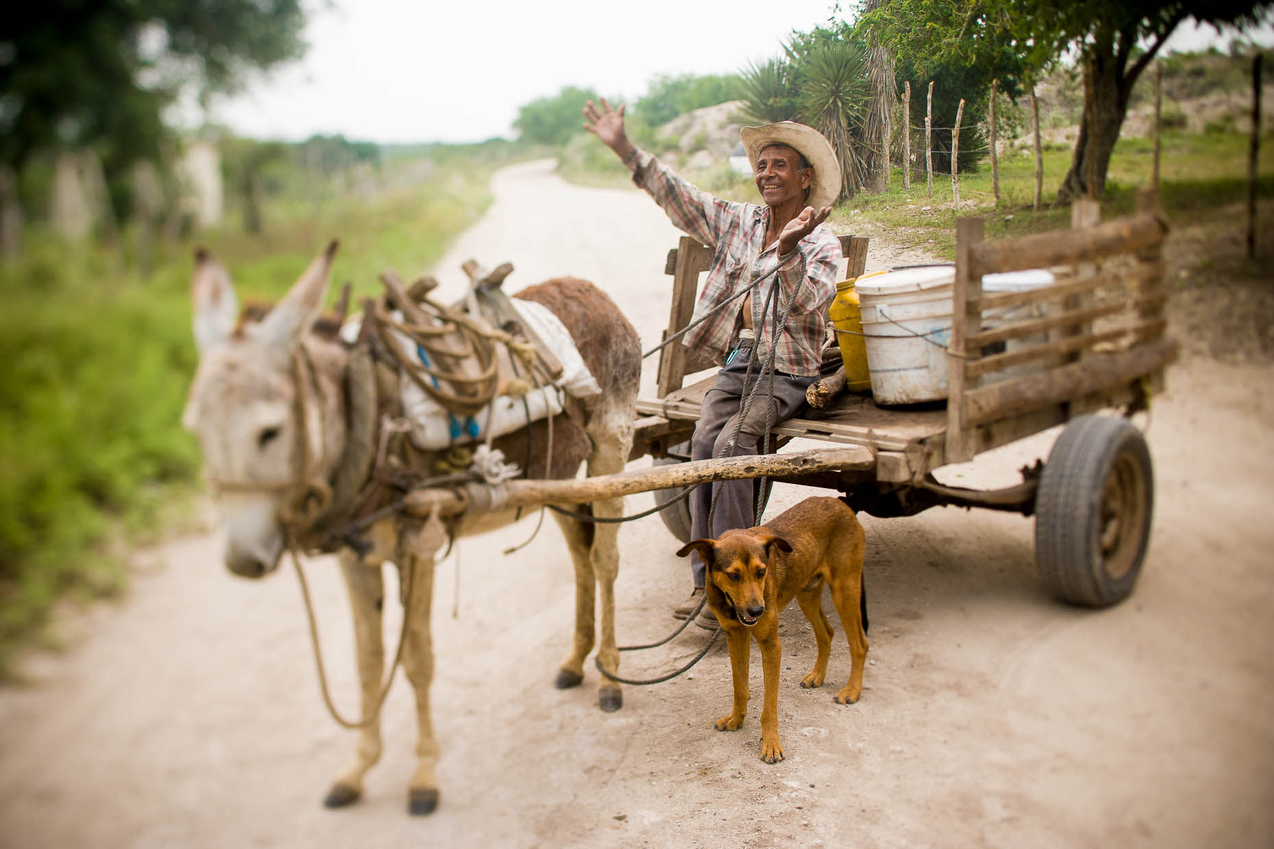 Mexican-man-with-cart