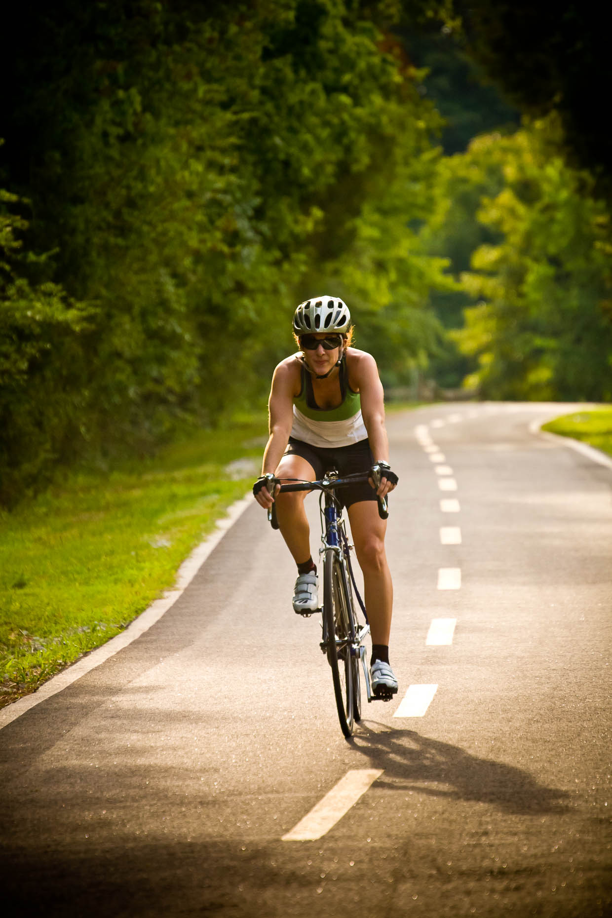 Woman-training-for-long-distance-bike-ride