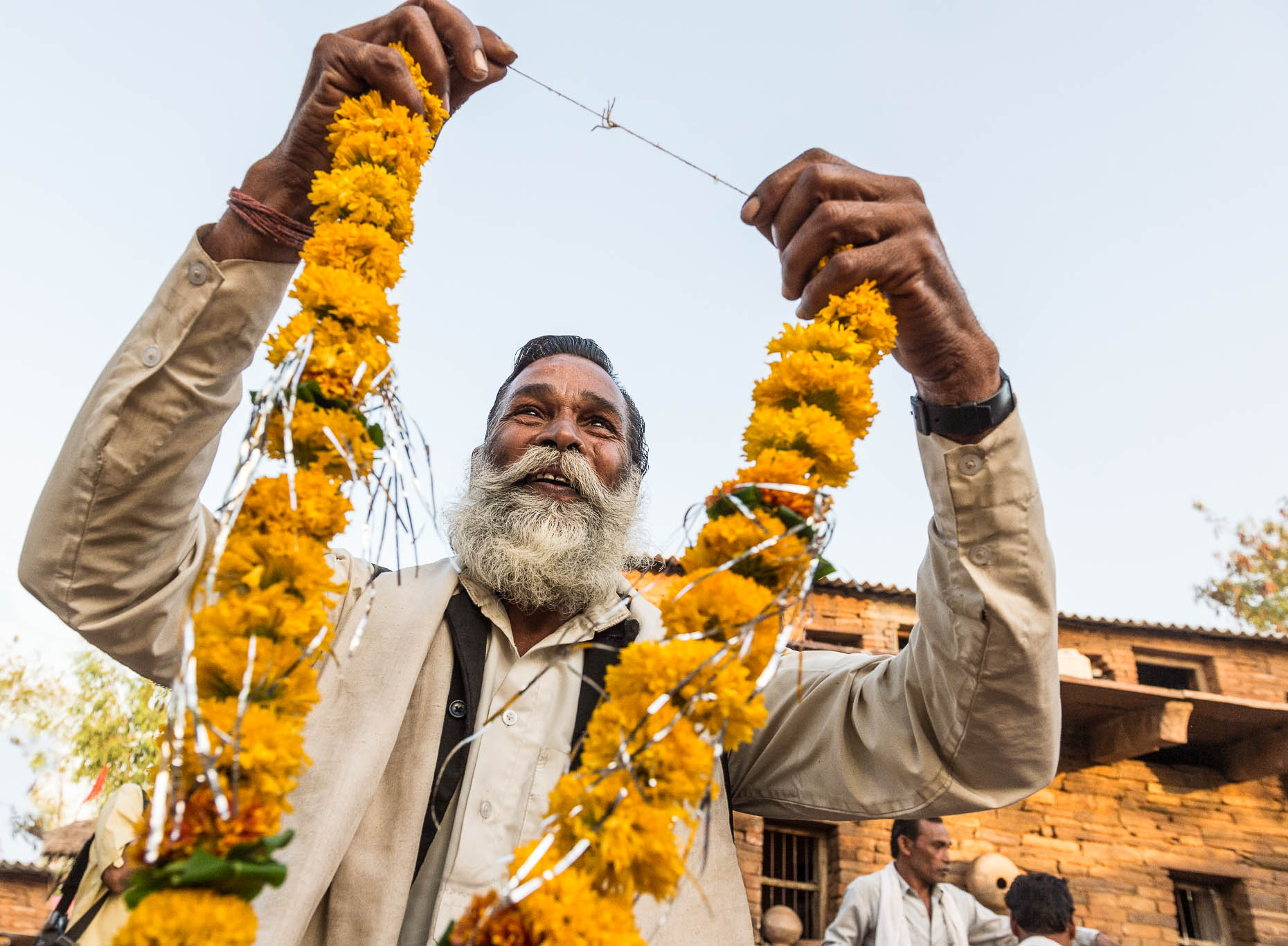 Welcome-to-India-with-flowers