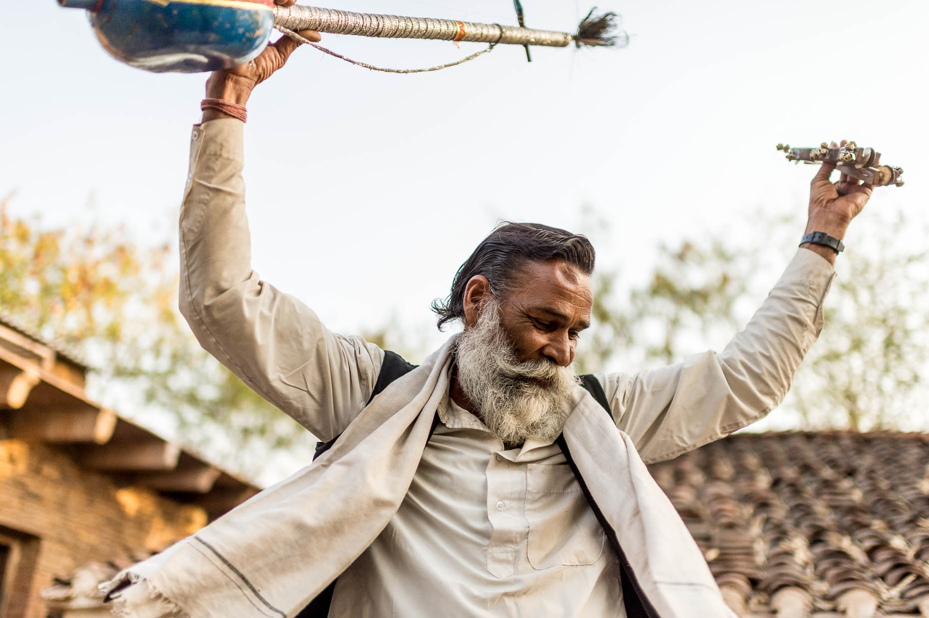 Village-musician-dancing-India